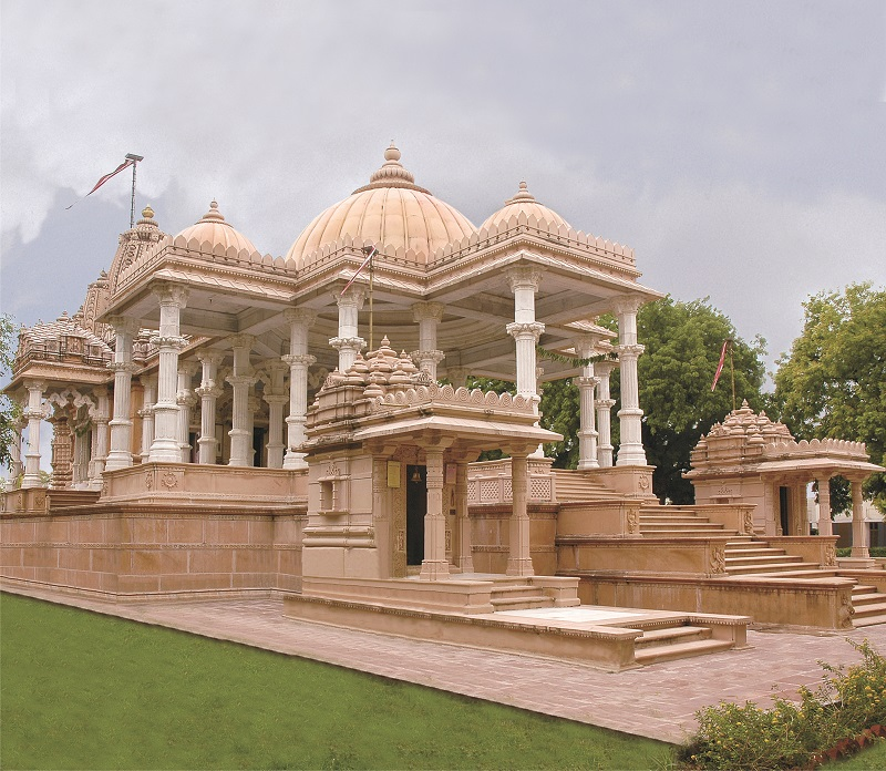 http://www.herenow4u.net/fileadmin/v3media/downloads/pdfs/News/2013/Jain_Temple_02.jpg