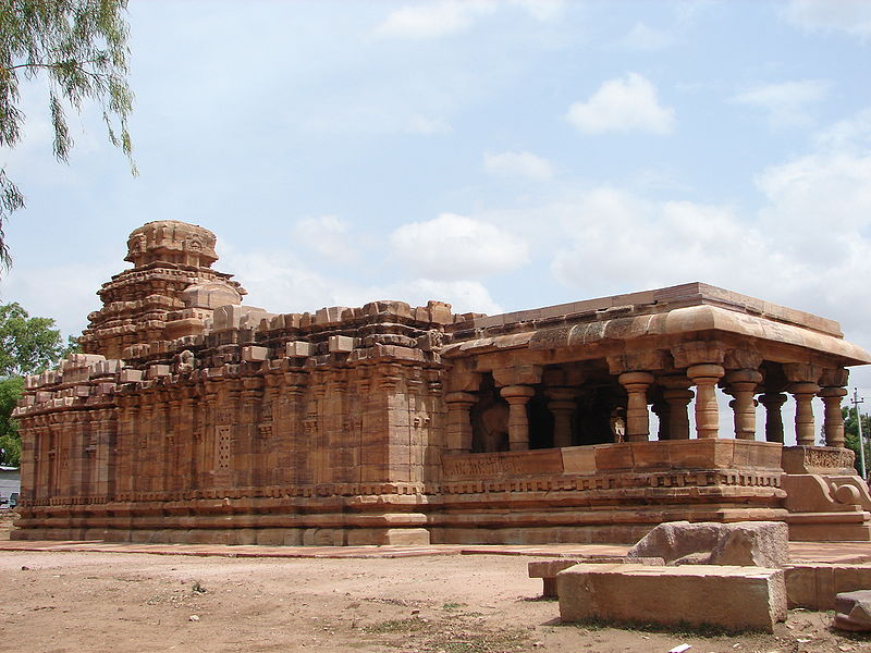 http://www.herenow4u.net/fileadmin/v3media/pics/Jain_Temples/Pattadakal_001.jpg