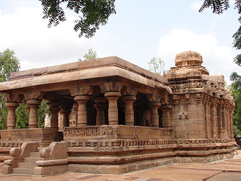 http://www.herenow4u.net/fileadmin/v3media/pics/Jain_Temples/Pattadakal_002.jpg
