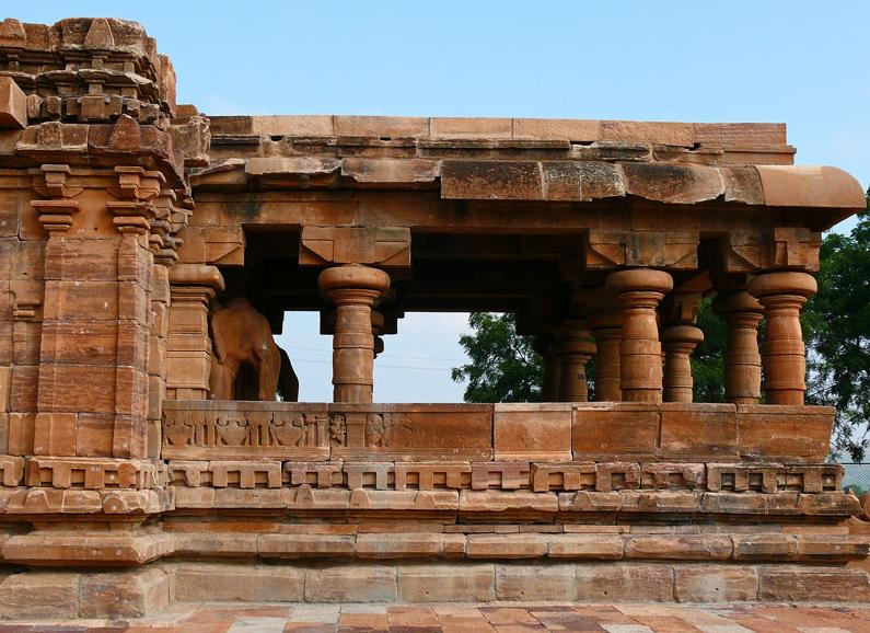 http://www.herenow4u.net/fileadmin/v3media/pics/Jain_Temples/Pattadakal_003.jpg