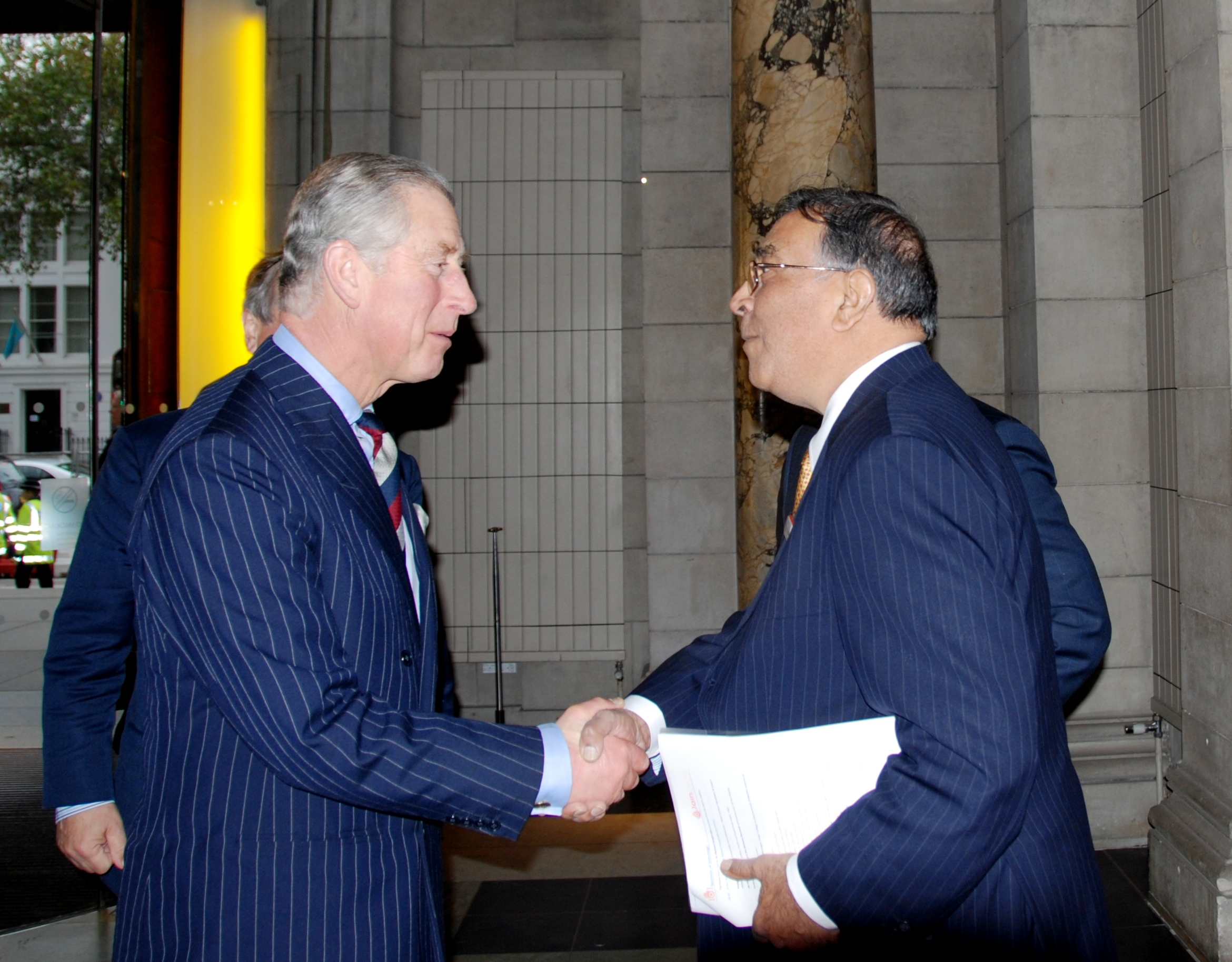 http://www.herenow4u.net/fileadmin/v3media/pics/organisations/IOJ/2010/The_Prince_of_Wales__visit_to_JAINpedia_-_Welcome2.jpg
