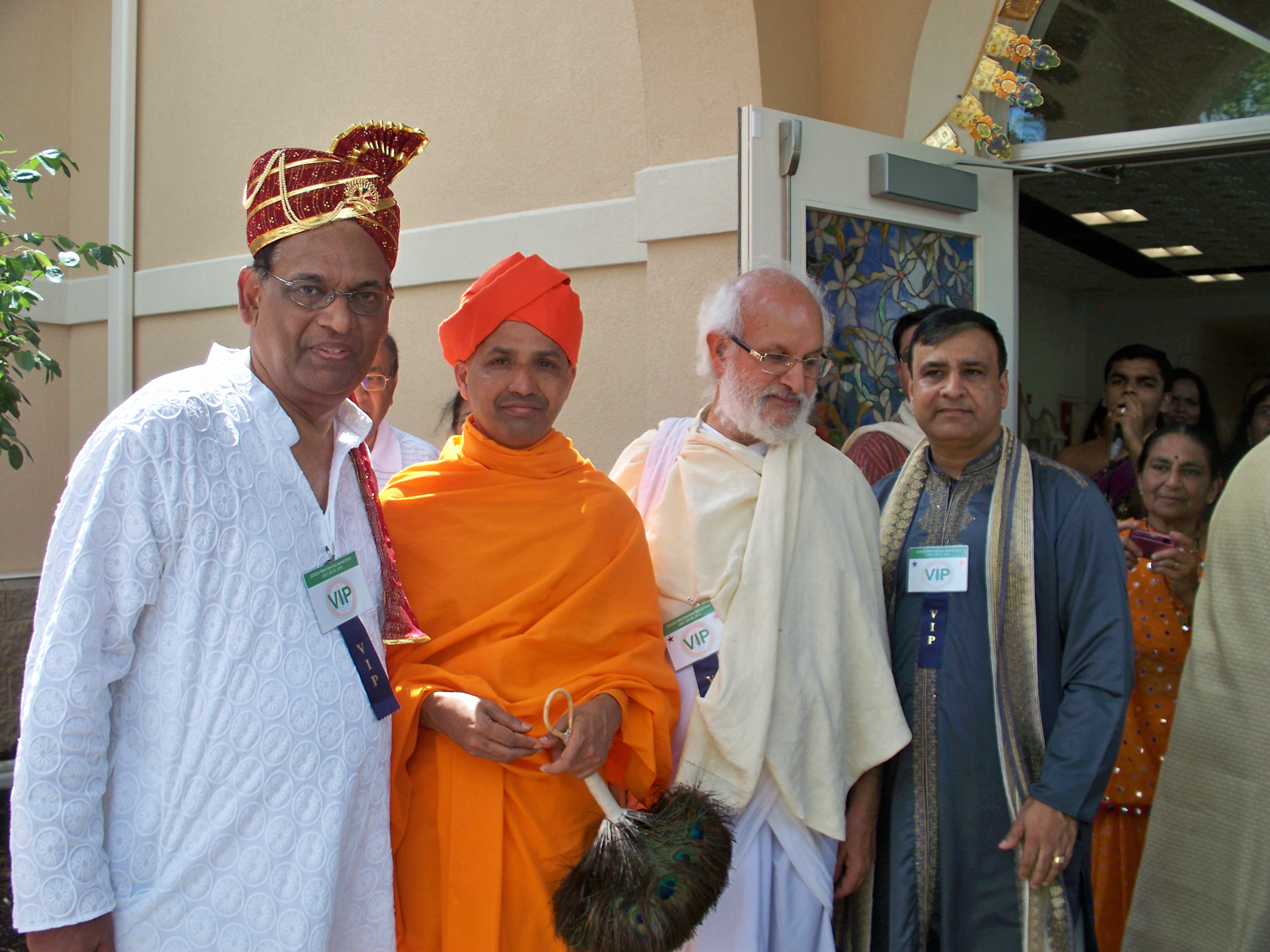 http://www.herenow4u.net/fileadmin/v3media/pics/organisations/Jain_Center_of_Central_Ohio/PRATISHTHA_MAHOTSAV/JCOCO_JAIN_TEMPLE_PRATISHTHA_01.jpg