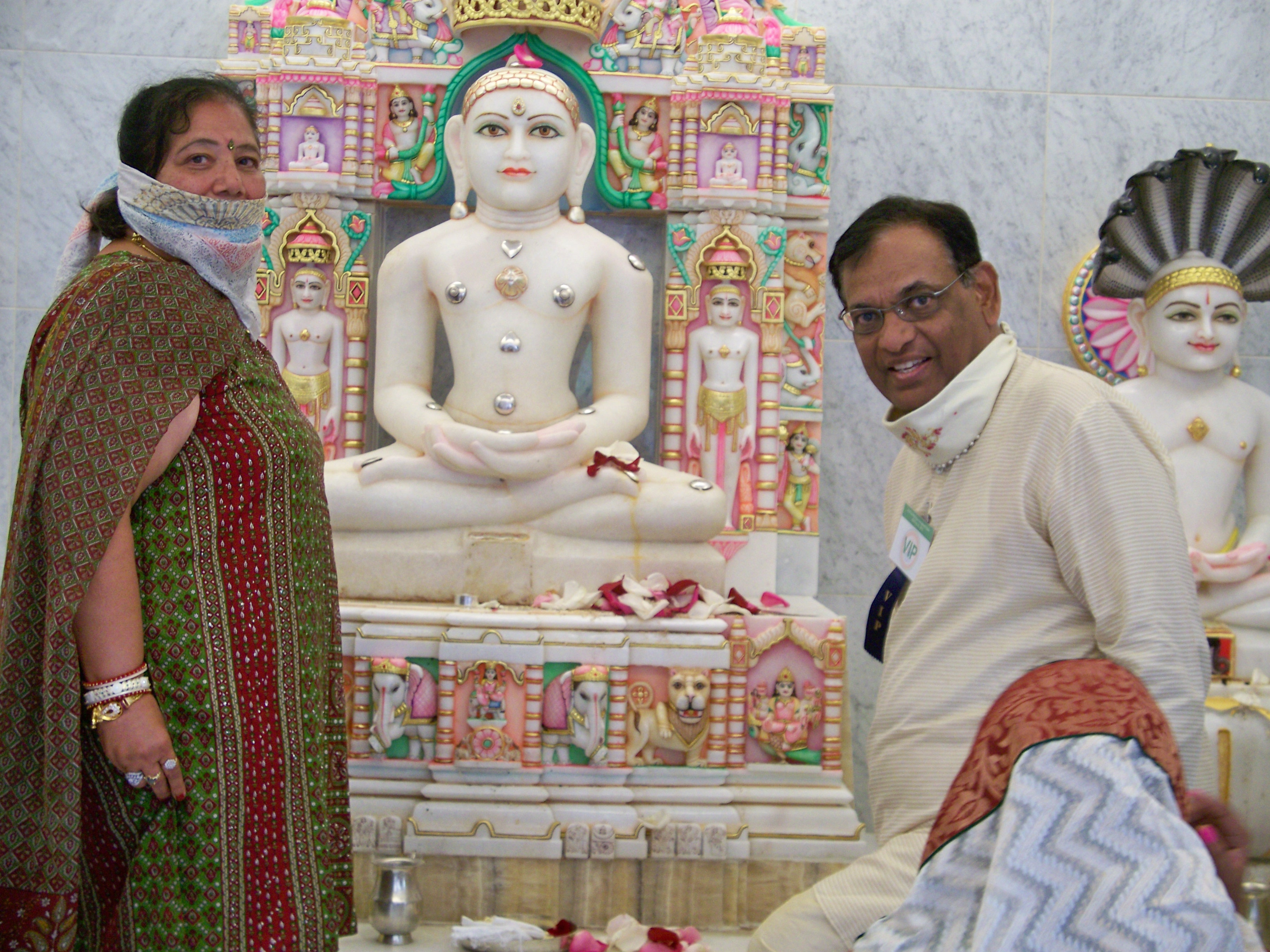 http://www.herenow4u.net/fileadmin/v3media/pics/organisations/Jain_Center_of_Central_Ohio/PRATISHTHA_MAHOTSAV/jcoco_-_Dinesh_Vora.jpg