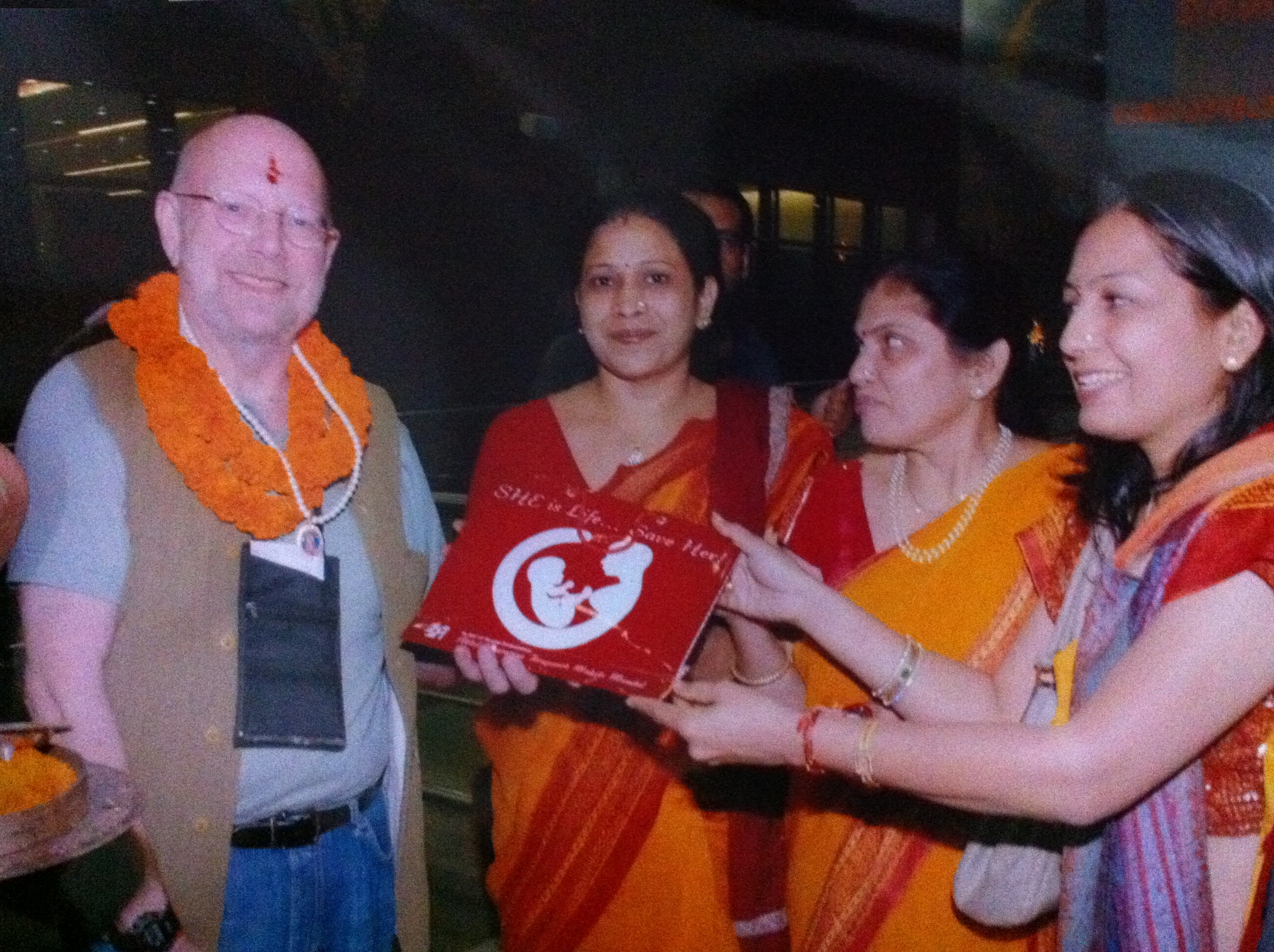 http://www.herenow4u.net/fileadmin/v3media/pics/organisations/Jain_Education_and_Research_Foundation/2010-11_Dr._Nathan_Katz_Visits_India/101122_Dr._Nathan_Katz_334.JPG