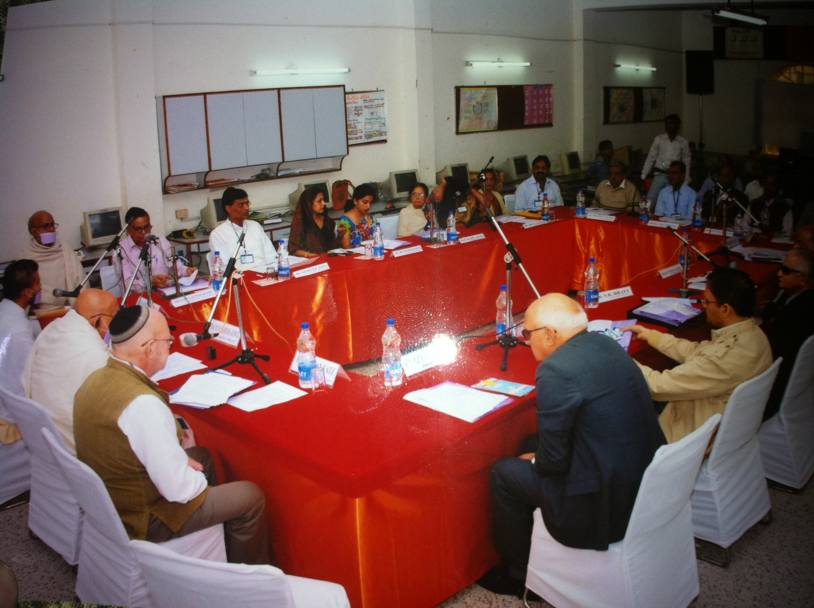 http://www.herenow4u.net/fileadmin/v3media/pics/organisations/Jain_Education_and_Research_Foundation/2010-11_Dr._Nathan_Katz_Visits_India/2010-11-25_Delhi_-_Seminar_and_Meeting_with_Prof._Muni_Mahendra_Kumar02.JPG