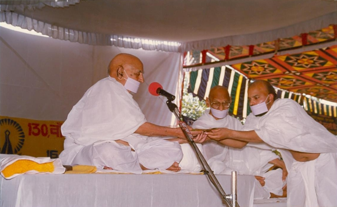 http://www.herenow4u.net/fileadmin/v3media/pics/persons/Acharya_Tulsi/xxxxxx/130th_Maryada_Mahotsva___Sujangarh.jpg