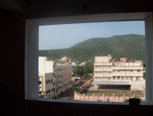 http://www.herenow4u.net/fileadmin/v3media/pics/persons/Dr._Atul_K._Shah/Ascend_The_Mind/A_view_of_Mount_Shatrunjaya_from_Nilam_Vilas.jpg