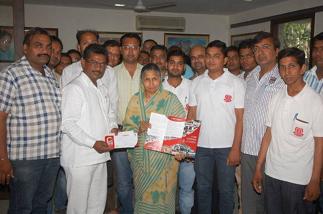 2014.06.05 ABTYP Hisar - Smt Savitri Jindal Supporting 6 th Sep. Blood Donation Camp